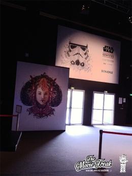 L'entrée de l'exposition où se trouve également une Cantina… ou du moins un bar !