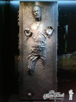 Pour le moule de Han prisonnier de la carbonite, seuls les visage et mains d'Harrison Ford servirent de modèle.