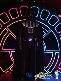 Dark Vador trône en bonne place dans la salle des chevaliers Sith et Jedi…