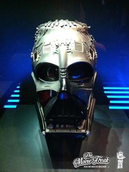 Masque de Vador sans le casque tel qu'entraperçu dans l'épisode V et vu dans l'épisode VI.