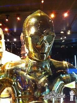 C3PO, le célèbre droïde de protocole dans un costume utilisé sur l'épisode III.