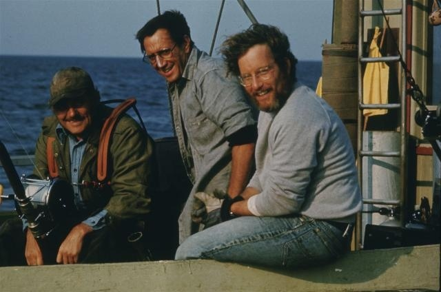 les_dents_de_la_mer_jaws_1975_portrait_w858-2