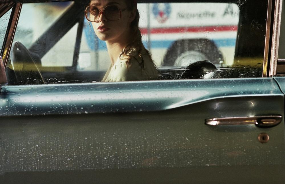 la dame dans l'auto