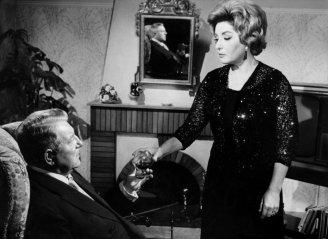 Viviane Romance et Jean Gabin dans MÉLODIE EN SOUS-SOL d'Henri Verneuil (1962).