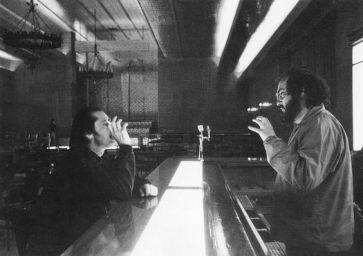 Kubrick et Nicholson sur le plateau du bar de l'Overlook…