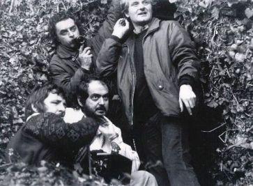 Kubrick avec le directeur de la photo John Alcott et son assistant Douglas Milsome.