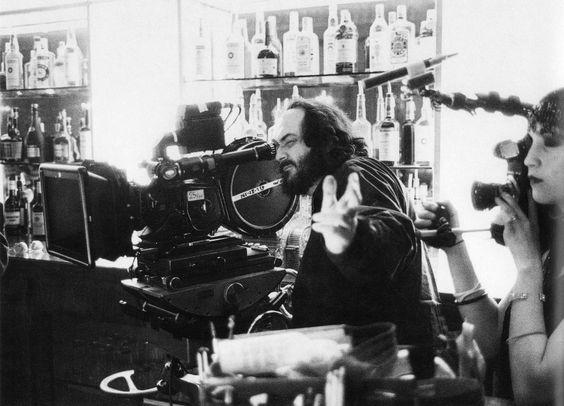 Kubrick à la caméra pendant que sa fille Vivian prépare le making-of du film.