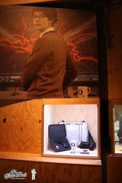 Le Walther PPK et autres gadgets offerts par Q (Ben Wishaw) à Bond dans SKYFALL