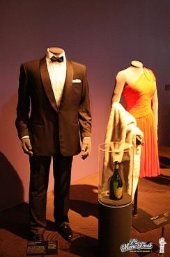 Costume de James Bond (Sean Connery) et Sylvia Trench (Eunice Gayson) dans Dr NO