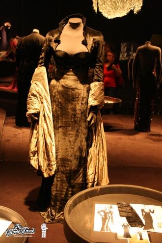 Robe de Xenia Onatopp (Famke Janssen) dans GOLDENEYE