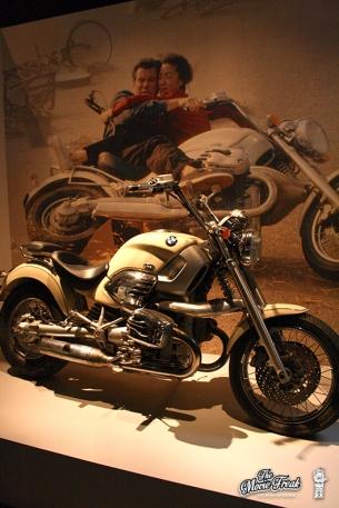 La moto BMW de DEMAIN NE MEURT JAMAIS