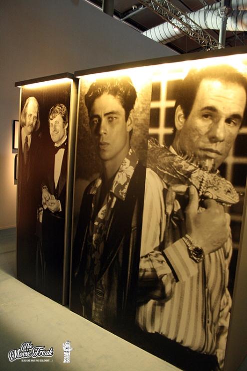 Dans la salle des ennemis de 007, de gauche à droite : Mr Kidd , Mr Wint, Dario et Franz Sanchez
